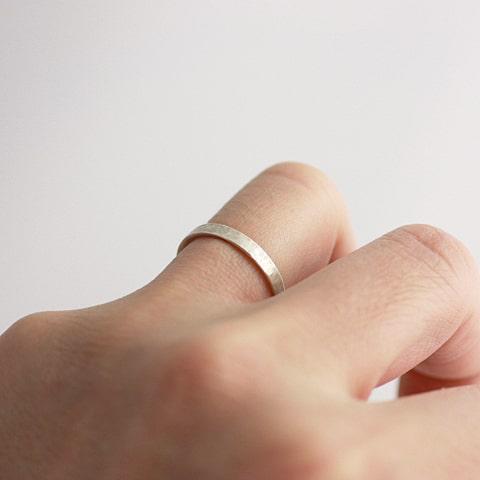 3.0mm幅のリングをつけたイメージ写真